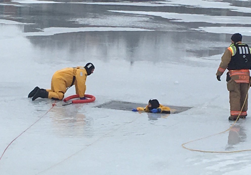 Ashwaubenon Public Safety and the De Pere Fire Department held a joint training exercise Tuesday, Jan. 17, 2017 along the Fox River. Photo via Twitter@AshPublicSafety.