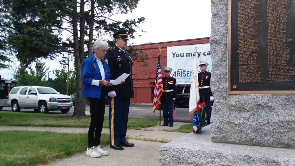 Wreath laying at the Janesville WWI memorial